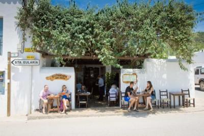 Bar-Anita_Ibiza-Style