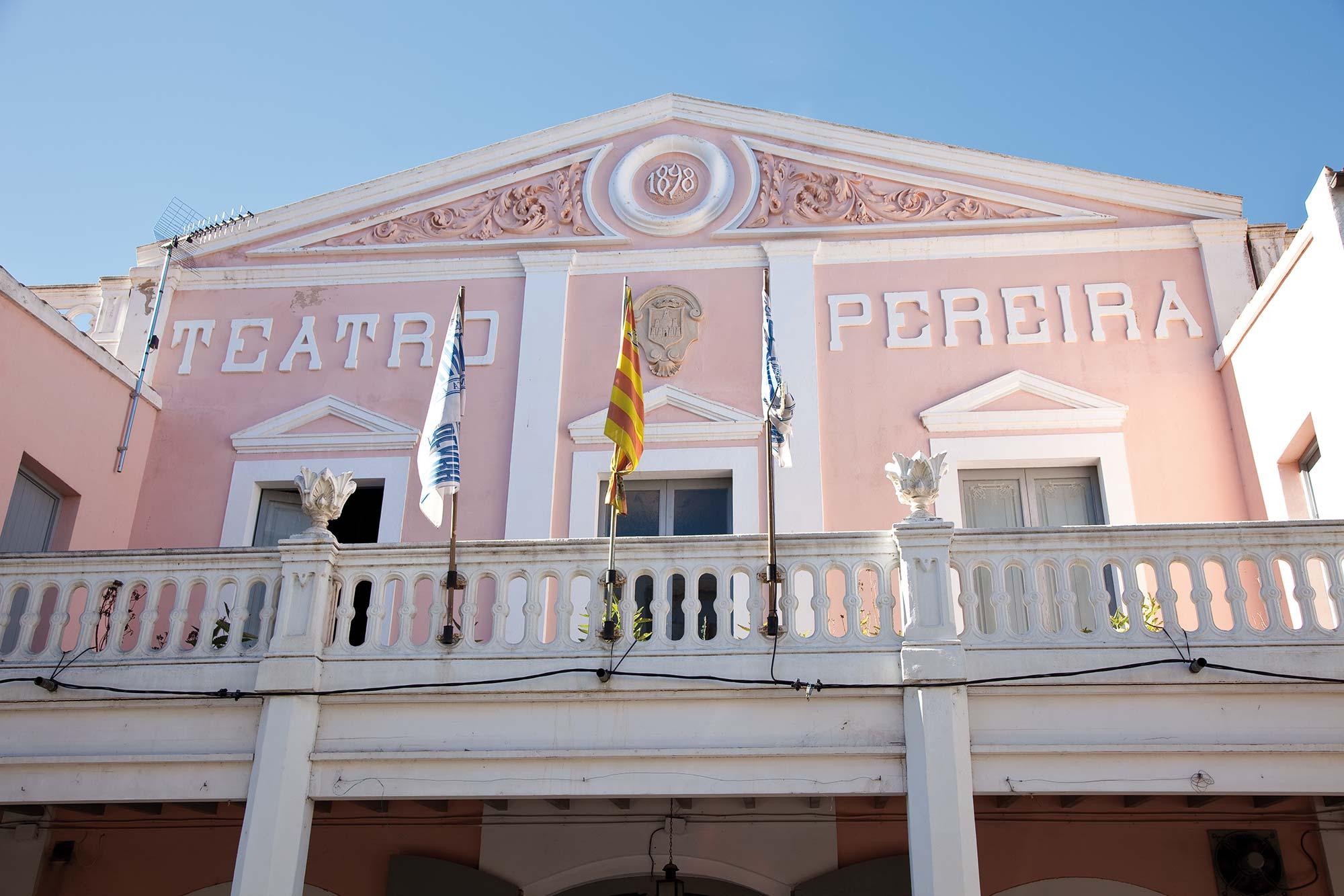 Teatro pereyra ibiza style - Conservatorio de ibiza ...