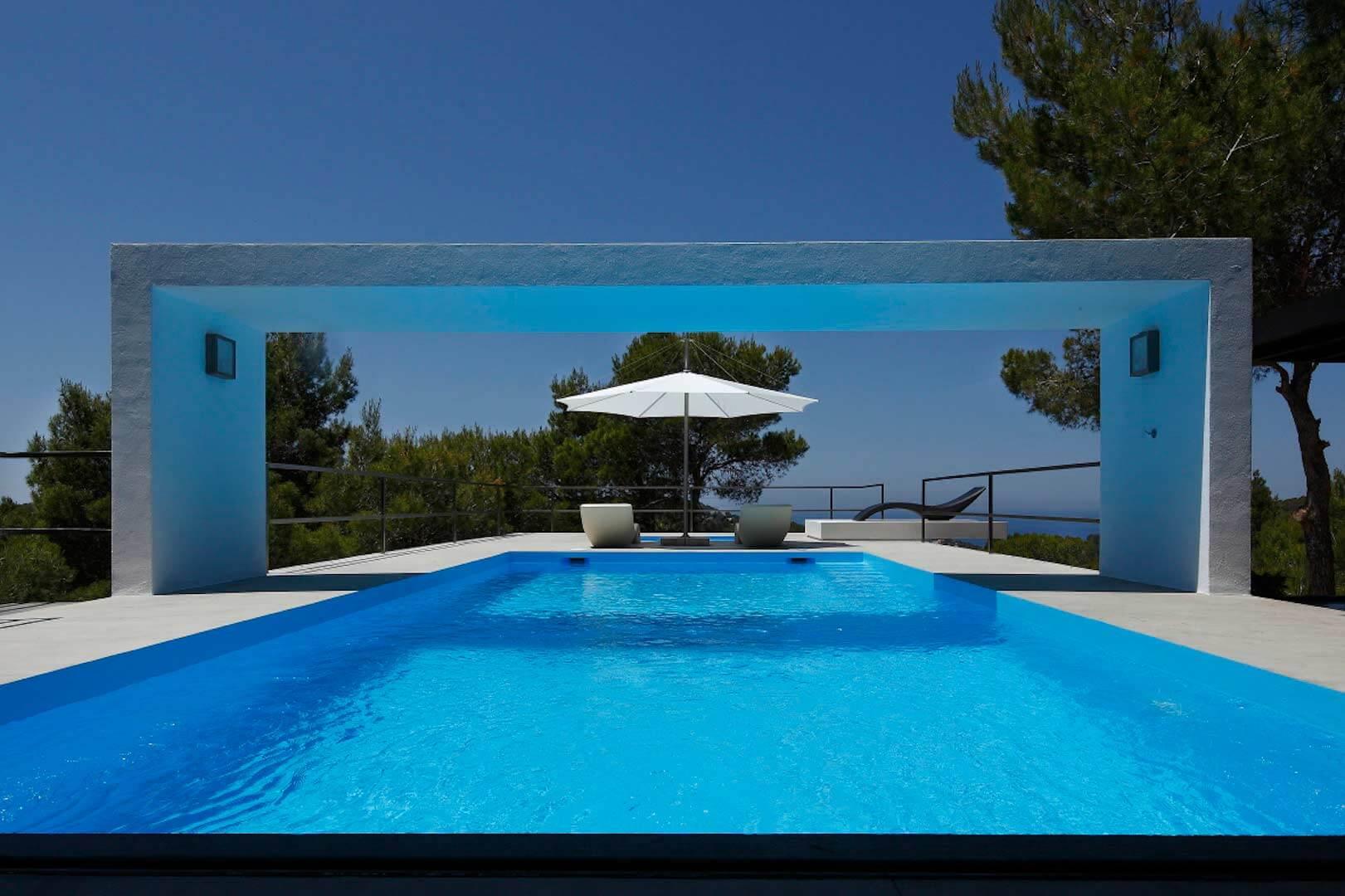 alquilar villa nicky ibiza con vistas al mar cerca de cala vadella ibiza style. Black Bedroom Furniture Sets. Home Design Ideas