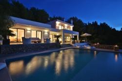 Moderne Ferienvilla mit Blick auf Meer Modern Holiday Villa with sea view Moderna Villa vacacional con vistas al mar