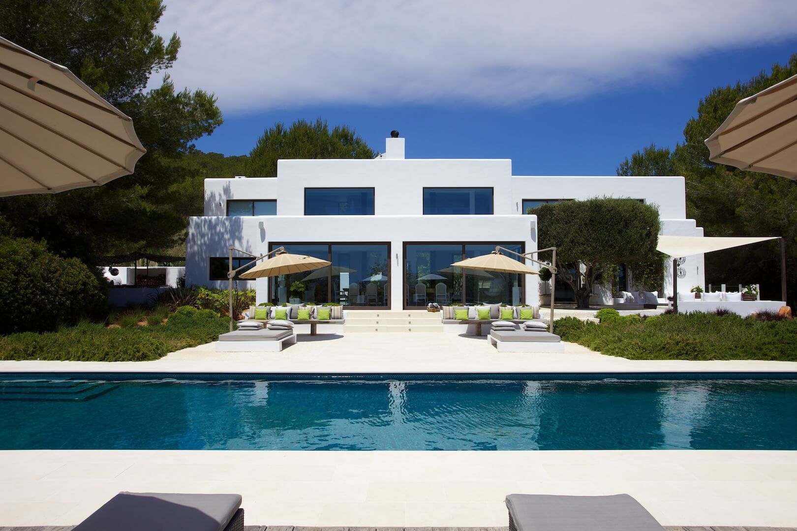 Villa rovira perfectly equipped for family holiday in the for Villas ibiza