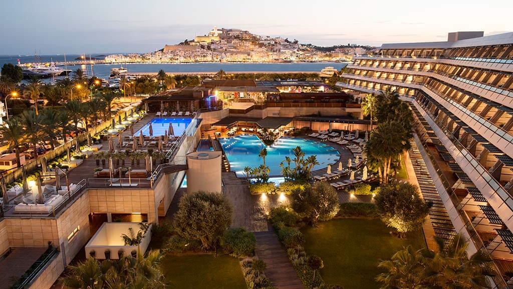 Ibiza gran hotel 5 grand luxe ibiza style for Designhotel ibiza